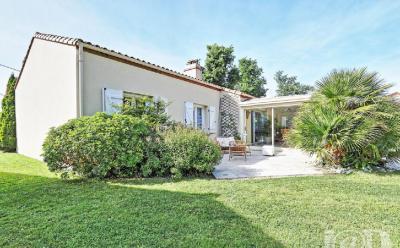 Maison La Haie Fouassiere &bull; <span class='offer-area-number'>122</span> m² environ &bull; <span class='offer-rooms-number'>4</span> pièces