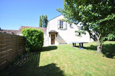 Maison Fontenailles &bull; <span class='offer-area-number'>87</span> m² environ &bull; <span class='offer-rooms-number'>4</span> pièces