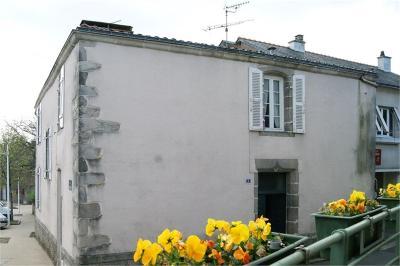 Maison St Etienne du Bois &bull; <span class='offer-area-number'>132</span> m² environ &bull; <span class='offer-rooms-number'>7</span> pièces
