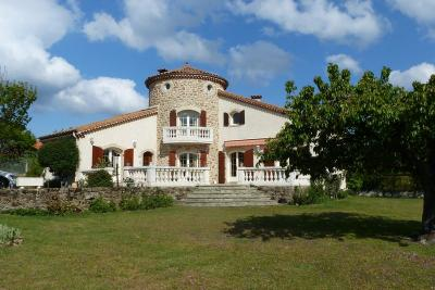Maison Quintenas &bull; <span class='offer-area-number'>140</span> m² environ &bull; <span class='offer-rooms-number'>7</span> pièces
