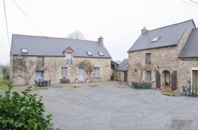 Maison Trebry &bull; <span class='offer-area-number'>211</span> m² environ &bull; <span class='offer-rooms-number'>10</span> pièces