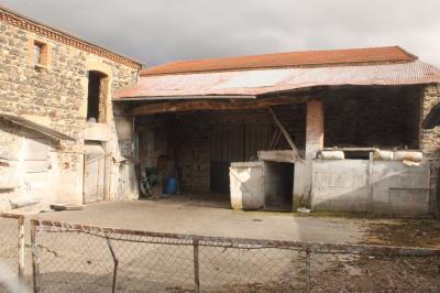 Maison St Germain Lembron &bull; <span class='offer-area-number'>175</span> m² environ &bull; <span class='offer-rooms-number'>7</span> pièces