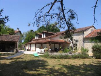 Maison La Tour Blanche &bull; <span class='offer-area-number'>231</span> m² environ &bull; <span class='offer-rooms-number'>7</span> pièces