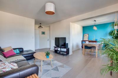 Appartement St Jean de Luz &bull; <span class='offer-area-number'>69</span> m² environ &bull; <span class='offer-rooms-number'>3</span> pièces