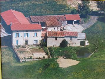 Maison Arthes &bull; <span class='offer-area-number'>150</span> m² environ &bull; <span class='offer-rooms-number'>7</span> pièces