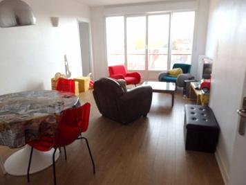 Appartement Roubaix &bull; <span class='offer-area-number'>85</span> m² environ &bull; <span class='offer-rooms-number'>3</span> pièces