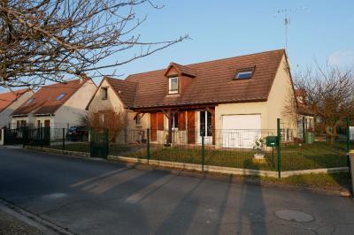Maison St Denis en Val &bull; <span class='offer-area-number'>115</span> m² environ &bull; <span class='offer-rooms-number'>7</span> pièces