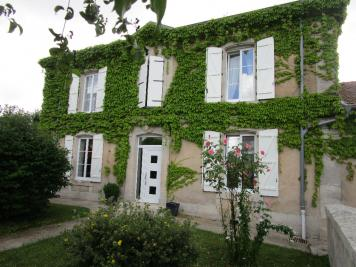 Maison Lacroix sur Meuse &bull; <span class='offer-area-number'>225</span> m² environ &bull; <span class='offer-rooms-number'>7</span> pièces