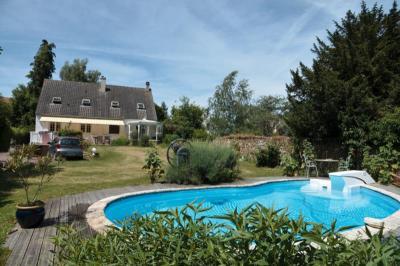 Maison Guignes &bull; <span class='offer-area-number'>144</span> m² environ &bull; <span class='offer-rooms-number'>6</span> pièces