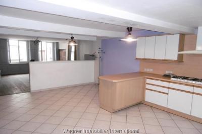 Maison Vezelise &bull; <span class='offer-area-number'>200</span> m² environ &bull; <span class='offer-rooms-number'>6</span> pièces