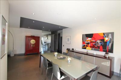 Maison St Julien les Metz &bull; <span class='offer-area-number'>300</span> m² environ &bull; <span class='offer-rooms-number'>13</span> pièces