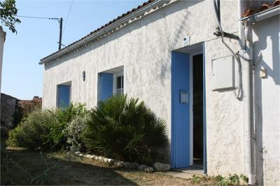 Maison St Georges d Oleron &bull; <span class='offer-area-number'>70</span> m² environ &bull; <span class='offer-rooms-number'>4</span> pièces