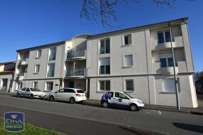 Appartement Cholet &bull; <span class='offer-area-number'>55</span> m² environ &bull; <span class='offer-rooms-number'>3</span> pièces