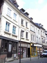 Appartement Pont Audemer &bull; <span class='offer-area-number'>18</span> m² environ &bull; <span class='offer-rooms-number'>1</span> pièce