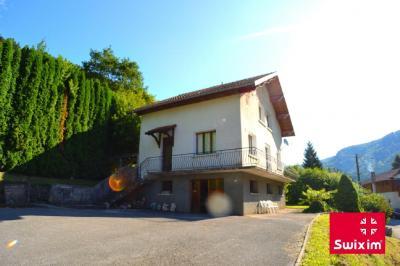 Maison Rosureux &bull; <span class='offer-area-number'>120</span> m² environ &bull; <span class='offer-rooms-number'>7</span> pièces