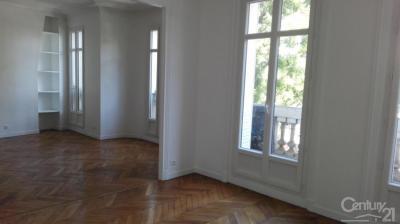 Appartement Paris 02 &bull; <span class='offer-area-number'>96</span> m² environ &bull; <span class='offer-rooms-number'>4</span> pièces