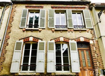Maison St Julien du Sault &bull; <span class='offer-area-number'>100</span> m² environ &bull; <span class='offer-rooms-number'>4</span> pièces