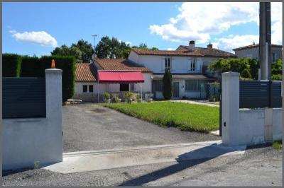 Maison Soussans &bull; <span class='offer-area-number'>150</span> m² environ &bull; <span class='offer-rooms-number'>4</span> pièces