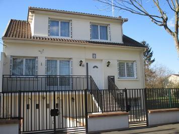 Maison Montfermeil &bull; <span class='offer-area-number'>130</span> m² environ &bull; <span class='offer-rooms-number'>6</span> pièces