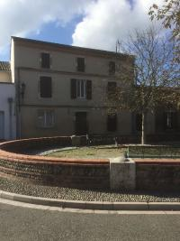 Maison Valence &bull; <span class='offer-area-number'>180</span> m² environ &bull; <span class='offer-rooms-number'>7</span> pièces