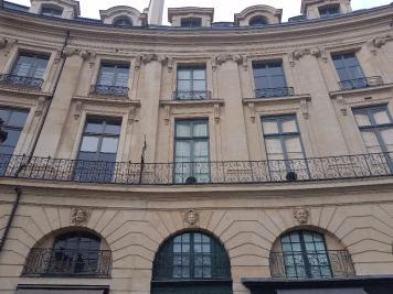 Appartement Paris 02 &bull; <span class='offer-area-number'>25</span> m² environ &bull; <span class='offer-rooms-number'>1</span> pièce