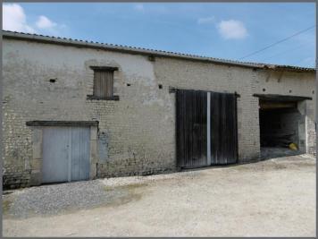 Loft Salles d Angles &bull; <span class='offer-area-number'>145</span> m² environ &bull; <span class='offer-rooms-number'>1</span> pièce