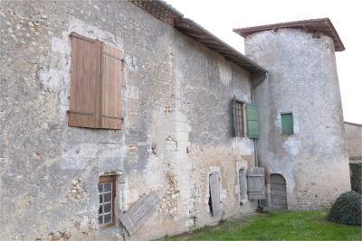 Maison Riberac &bull; <span class='offer-area-number'>114</span> m² environ &bull; <span class='offer-rooms-number'>5</span> pièces