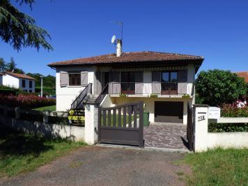 Maison St Pierre du Mont &bull; <span class='offer-area-number'>83</span> m² environ &bull; <span class='offer-rooms-number'>3</span> pièces