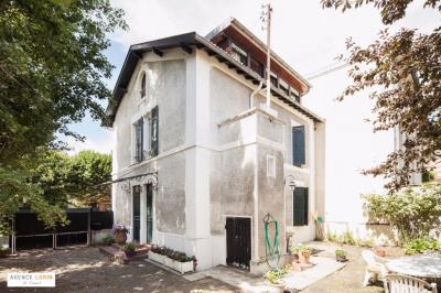 Maison Le Vesinet &bull; <span class='offer-area-number'>115</span> m² environ &bull; <span class='offer-rooms-number'>6</span> pièces