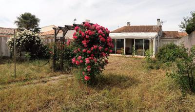 Maison Ste Marie de Re &bull; <span class='offer-area-number'>78</span> m² environ &bull; <span class='offer-rooms-number'>4</span> pièces
