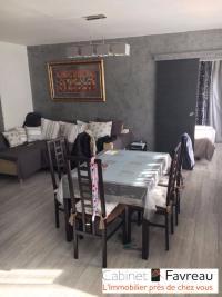 Appartement Villejuif &bull; <span class='offer-area-number'>74</span> m² environ &bull; <span class='offer-rooms-number'>4</span> pièces
