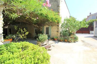 Maison Aigues Vives &bull; <span class='offer-area-number'>405</span> m² environ &bull; <span class='offer-rooms-number'>12</span> pièces
