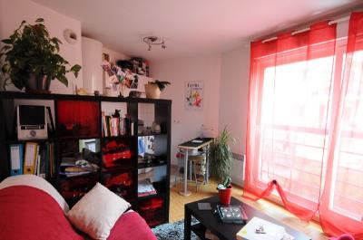 Appartement Le Plessis Robinson &bull; <span class='offer-area-number'>21</span> m² environ &bull; <span class='offer-rooms-number'>1</span> pièce