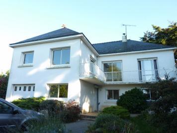 Maison St Marc sur Mer &bull; <span class='offer-area-number'>170</span> m² environ &bull; <span class='offer-rooms-number'>9</span> pièces