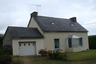 Maison Mael Carhaix &bull; <span class='offer-area-number'>60</span> m² environ &bull; <span class='offer-rooms-number'>4</span> pièces