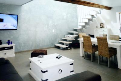 Maison Vourles &bull; <span class='offer-area-number'>79</span> m² environ &bull; <span class='offer-rooms-number'>3</span> pièces