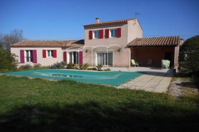 Villa Malemort du Comtat &bull; <span class='offer-area-number'>147</span> m² environ &bull; <span class='offer-rooms-number'>6</span> pièces