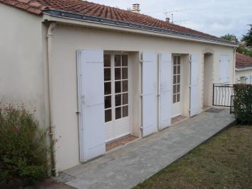 Maison Fontenay le Comte &bull; <span class='offer-area-number'>96</span> m² environ &bull; <span class='offer-rooms-number'>6</span> pièces