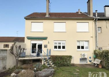 Maison Florange &bull; <span class='offer-area-number'>172</span> m² environ &bull; <span class='offer-rooms-number'>10</span> pièces