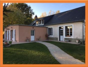 Maison St Jean de la Motte &bull; <span class='offer-area-number'>220</span> m² environ &bull; <span class='offer-rooms-number'>6</span> pièces
