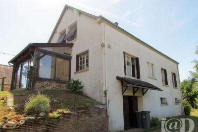 Maison St Denis en Val &bull; <span class='offer-area-number'>158</span> m² environ &bull; <span class='offer-rooms-number'>8</span> pièces