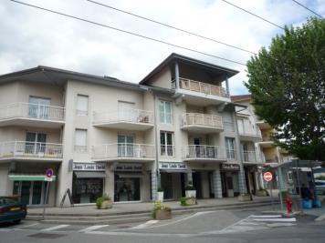 Appartement La Tronche &bull; <span class='offer-area-number'>71</span> m² environ &bull; <span class='offer-rooms-number'>3</span> pièces