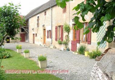 Maison Sancergues &bull; <span class='offer-area-number'>90</span> m² environ &bull; <span class='offer-rooms-number'>4</span> pièces