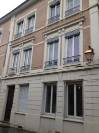 Appartement Neuville sur Saone &bull; <span class='offer-area-number'>80</span> m² environ &bull; <span class='offer-rooms-number'>3</span> pièces