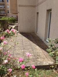 Appartement St Genis Laval &bull; <span class='offer-area-number'>65</span> m² environ &bull; <span class='offer-rooms-number'>3</span> pièces