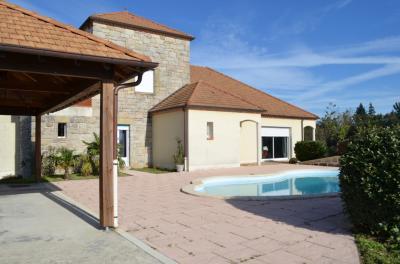 Maison Noailles &bull; <span class='offer-area-number'>215</span> m² environ &bull; <span class='offer-rooms-number'>5</span> pièces
