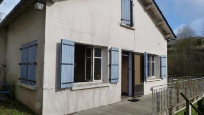 Maison Lacaune &bull; <span class='offer-area-number'>105</span> m² environ &bull; <span class='offer-rooms-number'>4</span> pièces