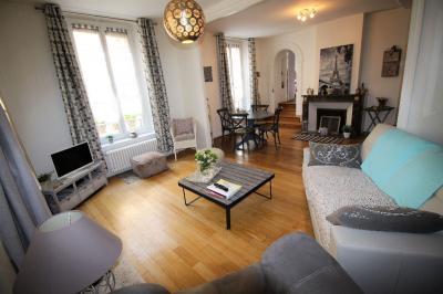 Appartement Meaux &bull; <span class='offer-area-number'>84</span> m² environ &bull; <span class='offer-rooms-number'>3</span> pièces
