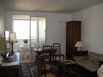 Appartement Marseille 04 &bull; <span class='offer-area-number'>68</span> m² environ &bull; <span class='offer-rooms-number'>3</span> pièces