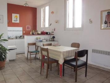 Appartement Marseille 01 &bull; <span class='offer-area-number'>57</span> m² environ &bull; <span class='offer-rooms-number'>4</span> pièces